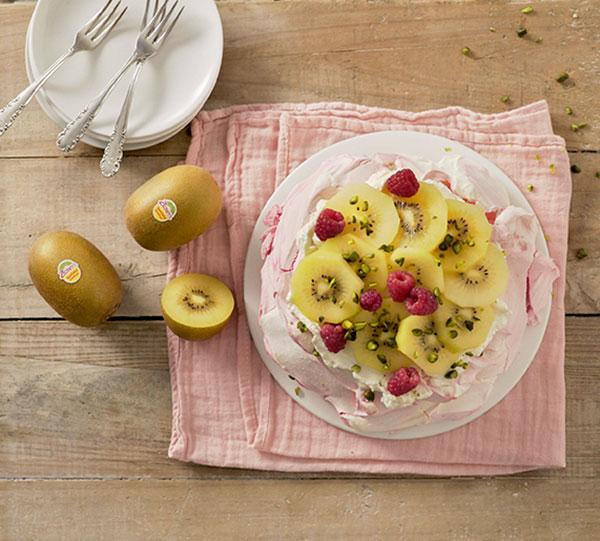 week30_Pavlova_kiwifruit.jpg