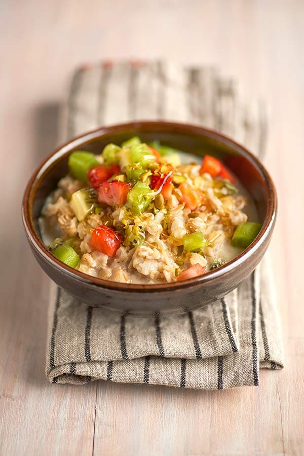 10_morning-oatmeal_and_kiwi.jpg