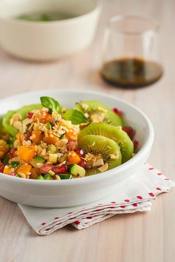 11_vegetable_and_quinoa-salad_and_kiwi.jpg