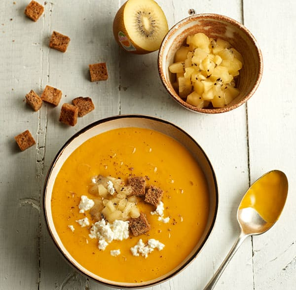 45_Squash-and-sweet-potato-soup-with-yellow-kiwifruit,-Burgos-cheese-and-croutons_ZESPRI_38391.jpg