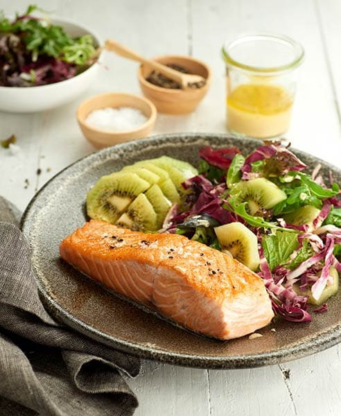 4_Crispy-salmon-with-chicory-and-green-kiwifruit-salad.jpg