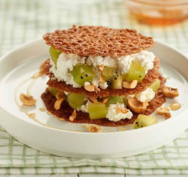 52_Green-kiwifruit-and-cottage-cheese-millefeuille-with-honey-and-hazelnuts.jpg