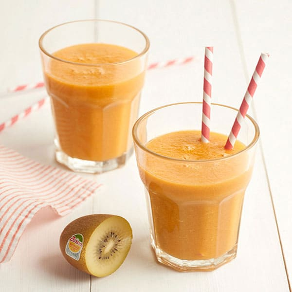 Carrot-yellow-kiwifruit-pineapple-and-mint-smoothie_ZESPRI.jpg