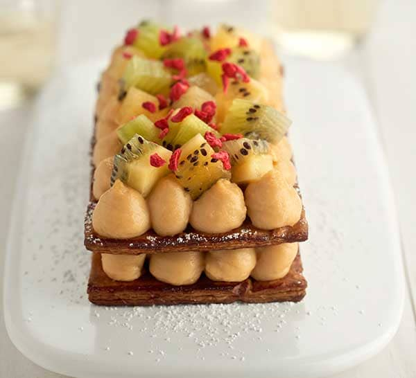 Custard_slice_with_kiwifruit.jpg
