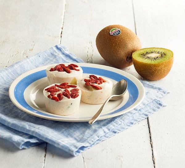 Frozen-kiwifruit-yoghurt-04.jpg