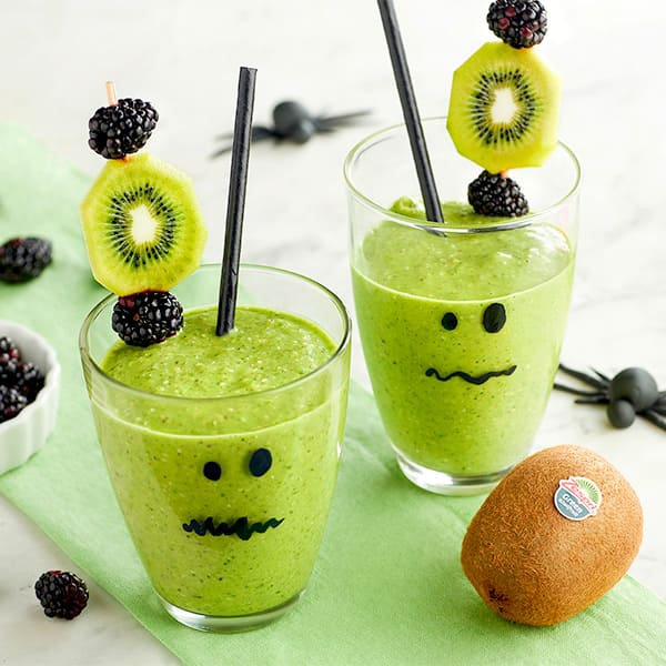 Halloween-themed-smoothie.jpg