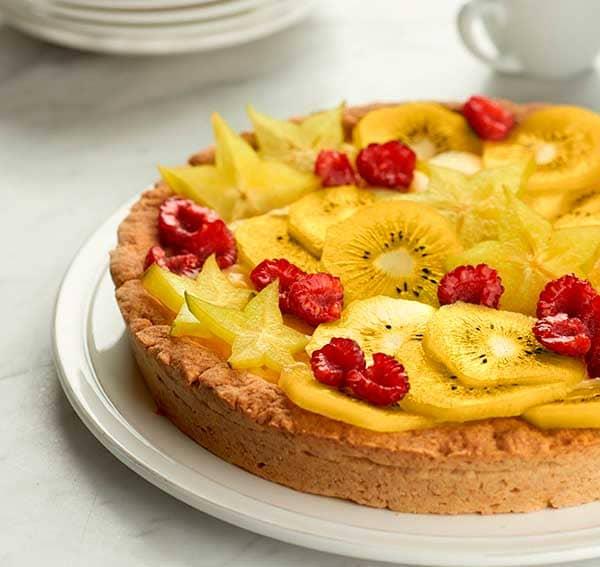 Kiwifruit-star-fruit-and-raspberry-tart_ZESPRI.jpg
