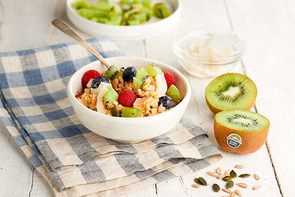 Oat-and-kiwifruit-bowl-recipe-04.jpg
