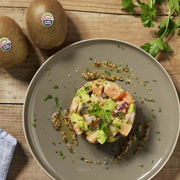 Salmon-and-avocado-tartare-recipe-04.jpg
