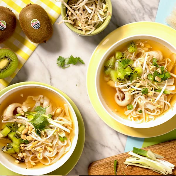 Vietnamese-pho-with-kiwifruit.jpg