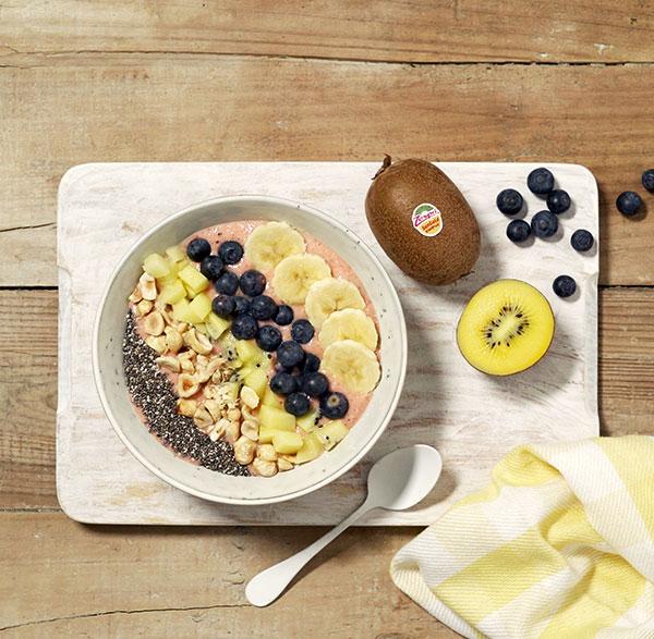 week24_Sungold_kiwifruit_chia_breakfast_bowl_chia_corto.jpg