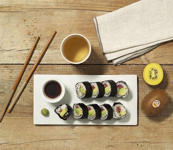 week28_Kiwifruit_sushi_rolls.jpg