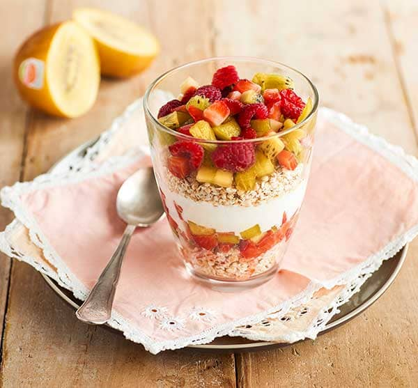 week33_Super-berry-and-kiwifruit-breakfast.jpg