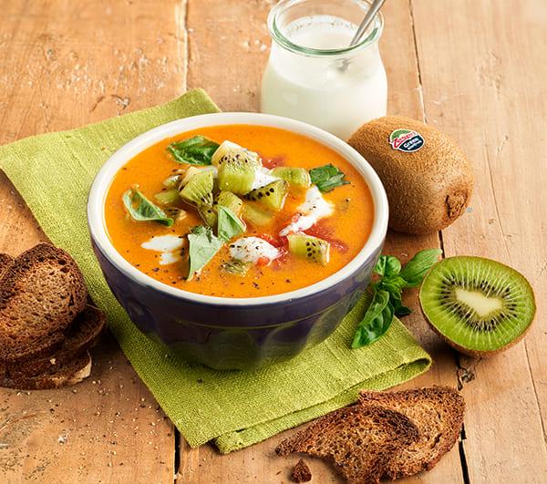 week40_Chunky_tomato_kiwifruit_soup_04.jpg