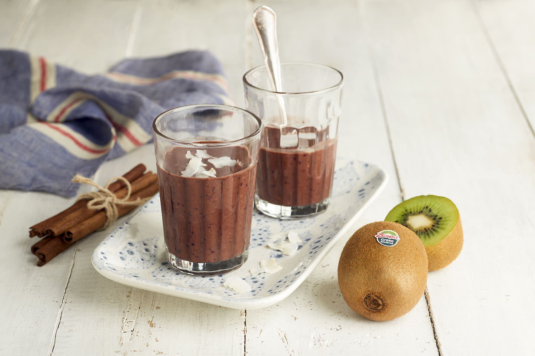 week4_Chocolate kiwifruit smoothie04.jpg