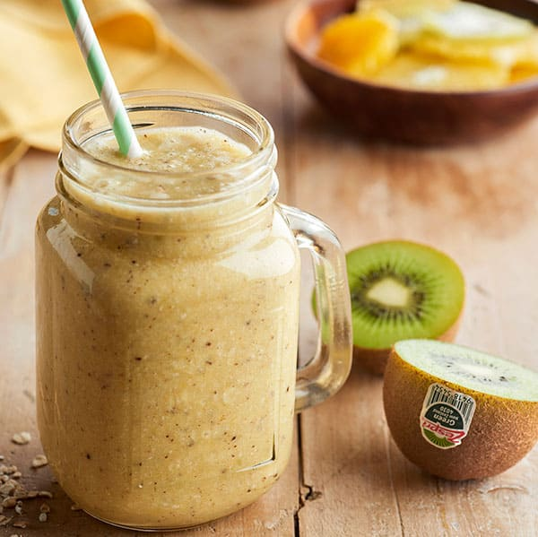 week52_kiwifruit_orange_smoothie.jpg